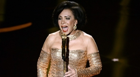 Oscars-2013-Shirley-Bassey-Brings-Down-the-House-Video