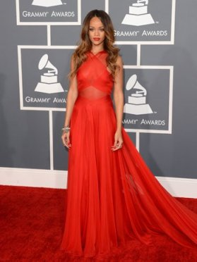 rihanna_grammy_dress_a_p